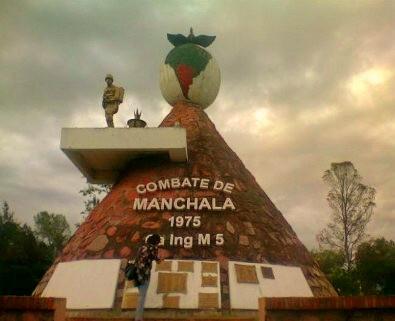 Manchalá: quitan monumento en homenaje a sus héroes